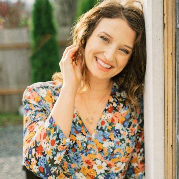 Carley Schweet Headshot (1) - Carley Schweet (1)
